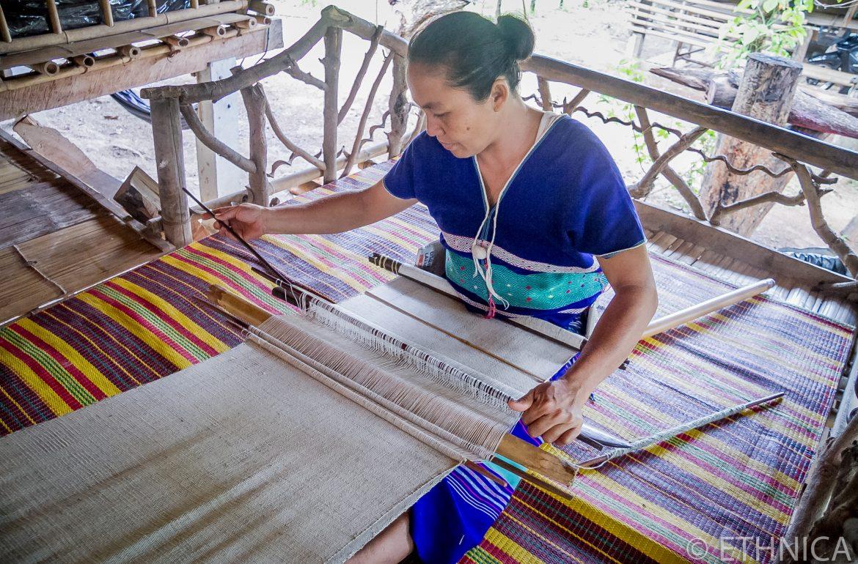 Karen People weaving